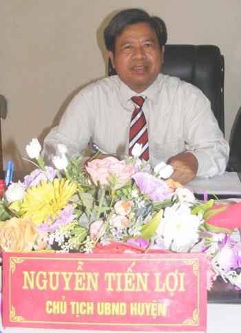 Ông Nguyễn Tiến Lợi, Chủ tịch UBND huyện: Chúng tôi đã và đang phát huy sức mạnh tổng hợp để phát triển kinh tế - xã hội... (Ảnh: Xuân Thao)